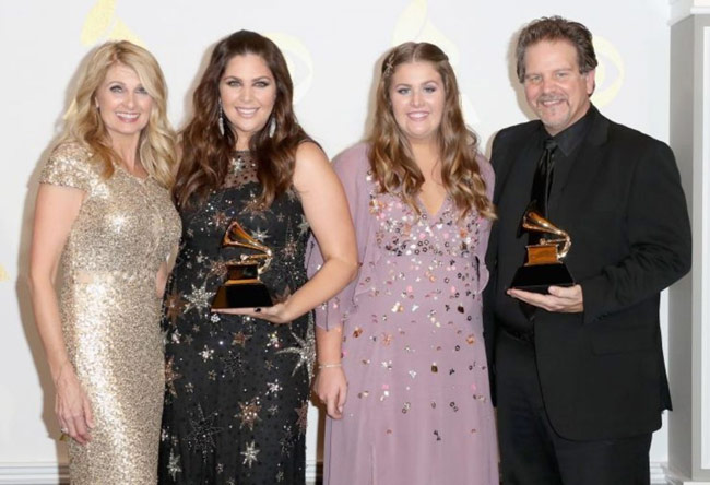 Jfh News Hillary Scott The Scott Family Honored With